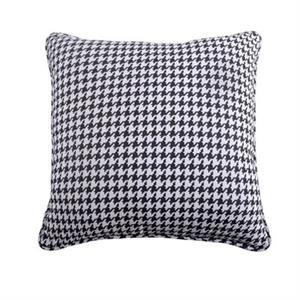 picture of hounds tooth euro sham